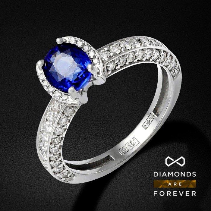 Кольцо с сапфиром, бриллиантами Голубой светКольца<br>Кольцо из белого золота 750 пробы. Характеристики вставок: бриллиант  3/3  4шт.,0.03ct # бриллиант  3/4  20шт.,0.35ct # бриллиант  3/4  40шт.,0.49ct # бриллиант  3/4  6шт.,0.02ct # бриллиант  3/5  12шт.,0.06ct # бриллиант  3/5  4шт.,0.04ct # бриллиант  3/...<br>