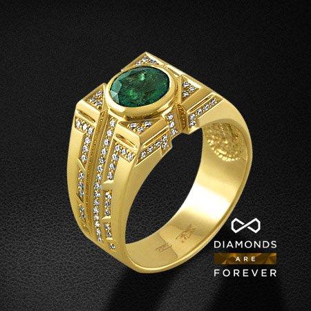 Мужское кольцо с бриллиантами, изумрудом из желтого золота 750 пробыПерстни<br>Мужское кольцо с бриллиантами, изумрудом из желтого золота 750 пробы. Характеристики вставок: 116 бриллиант кр57 0,61; 1 изумруд 1,975. Средний вес изделия: 14.17 гр.<br>