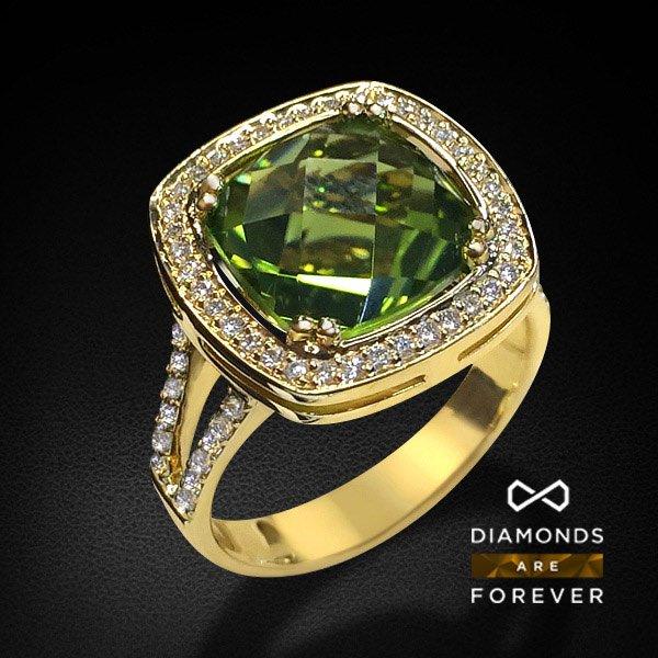 Кольцо с хризолитами и бриллиантами в желтом золоте 750 пробыКольца<br>Кольцо с хризолитами и бриллиантами в желтом золоте 750 пробы. Характеристики вставок: хризолит 4.71, 62 бриллианта 0.348 3/6А. Средний вес: 7.52 гр.<br>