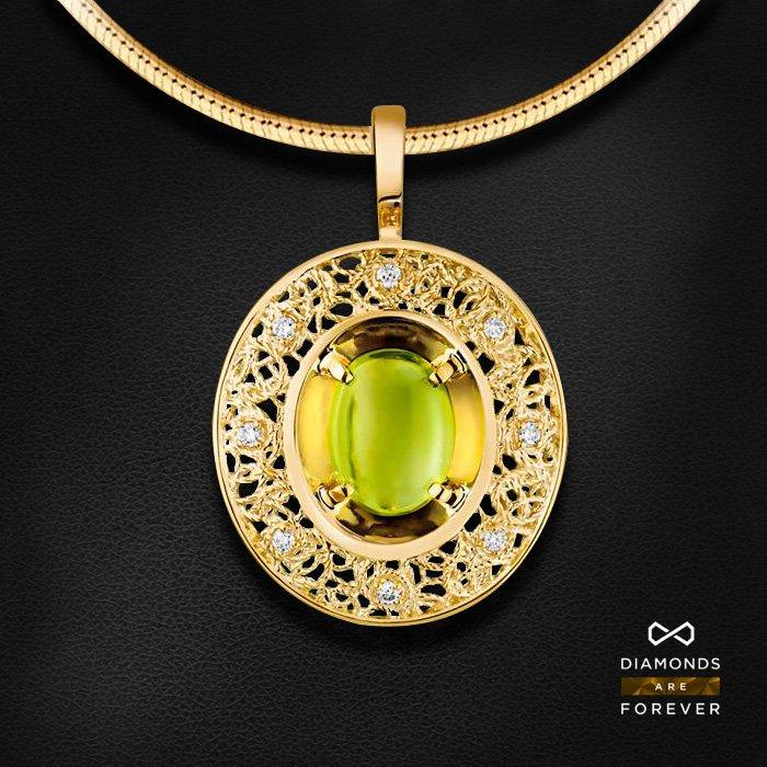 Кулон с бриллиантами, хризолитом из желтого золота 585 пробыКулоны<br>Кулон с бриллиантами, хризолитом из желтого золота 585 пробы. Характеристики вставок: 8 бриллиант 0,056, 1 хризолит 1.65. Средний вес изделия: 2.2 гр.<br>