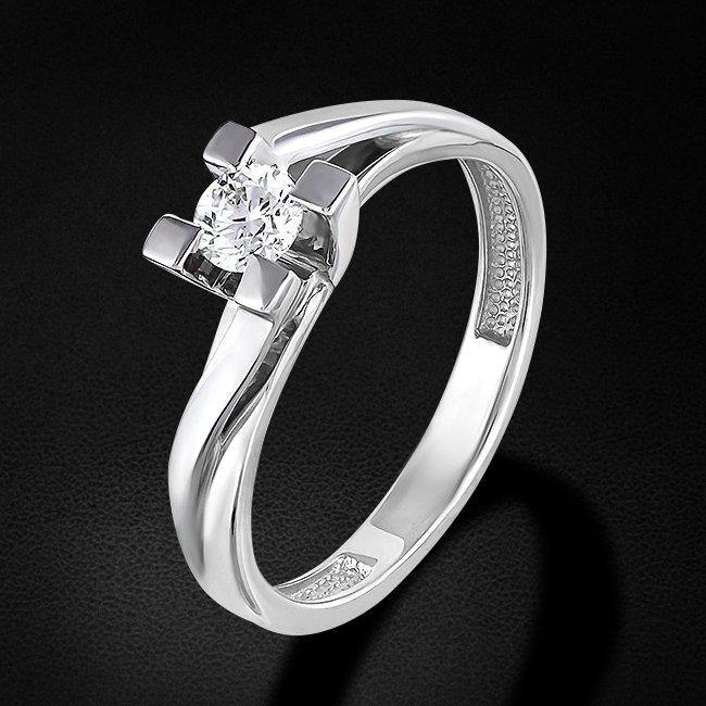 Кольцо с бриллиантами из белого золота 585 пробыКольца<br>Кольцо с бриллиантами из белого золота 585 пробы. Характеристики вставок: 1 бриллиант кр57 0,242 3/6а. Средний вес изделия: 2,85 гр.<br>