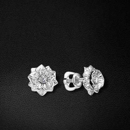 Пусеты с бриллиантами из белого золота 585 пробы из коллекции КлассикаСерьги<br>Пусеты с бриллиантами из белого золота 585 пробы. Характеристики вставок: бриллиант 2 0.09 4/5 кр57. Средний вес изделия: 2,24 гр.<br>