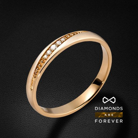 Обручальное кольцо с 7 бриллиантами из красного золота 585 пробыКольца<br>Обручальное кольцо с 7 бриллиантами из красного золота 585 пробы. Характеристики вставок: 7 бриллиантов 0.108 карат. Средний вес: 2,62 гр.<br>