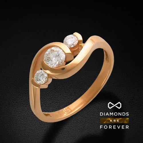Кольцо с бриллиантами из красного золота 585 пробыЮвелирные украшения<br>Кольцо с бриллиантами из красного золота 585 пробы. Характеристики вставок: бриллиант 4/4 2шт.,0.17ct ; бриллиант 6/3 1шт.,0.34ct. Средний вес изделия: 3,43 гр.<br>