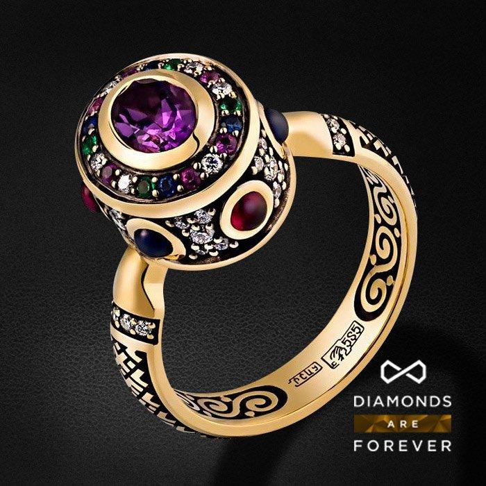 Кольцо Символ с цветными камнями и бриллиантами в желтом золотеКольца с цветными камнями<br>Кольцо Символ с цветными камнями и бриллиантами в желтом золоте 585 пробы. Характеристики: 44 бриллиант 0.283, 4 изумруд 0.025, 1 аметист 0.81, 3 рубин 0.275, 13 сапфир 0.424. Средний вес: 6.71 гр.<br>