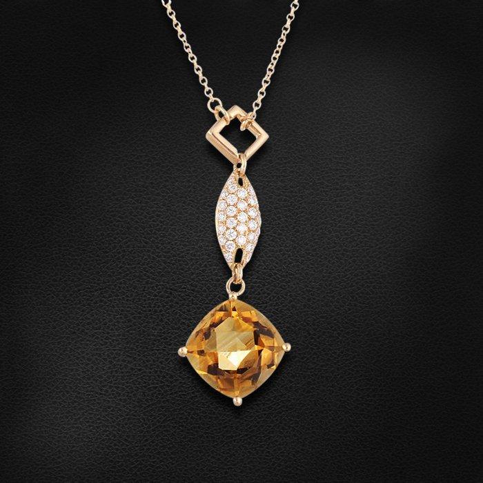 Подвеска с бриллиантами, цитрином из желтого золота 585 пробыКулоны<br>Подвеска с бриллиантами, цитрином из желтого золота 585 пробы. Характеристики вставок: 43 бриллиант кр57 - 0.31 3/5, 1 цитрин - 4.17. Средний вес изделия: 5,06 гр.<br>