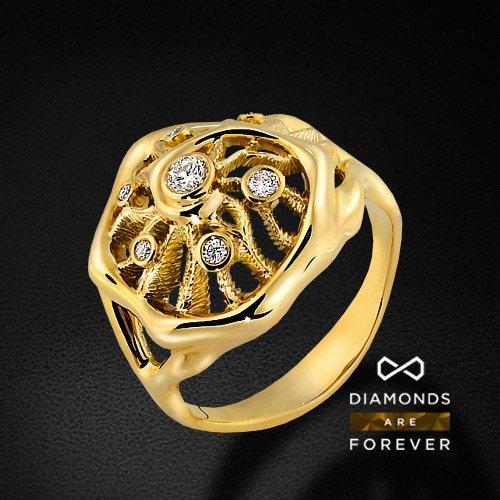 Кольцо из желтого золота 585 пробы с 7 бриллиантами (коллекция Стихии)Ювелирные украшения<br>Кольцо золотое с 7 бриллиантами. Характеристики вставок: 7 брил. весом 0.166 ct. Средний вес: 7.05 гр.<br>