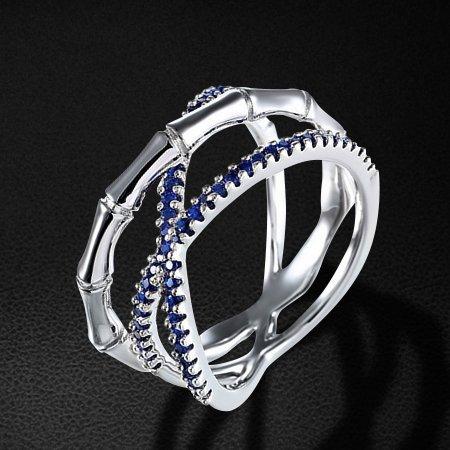 Кольцо с фианитами из серебра 925 пробыКольца<br>Кольцо с фианитами из серебра 925 пробы. Средний вес: 5,94 гр.<br>