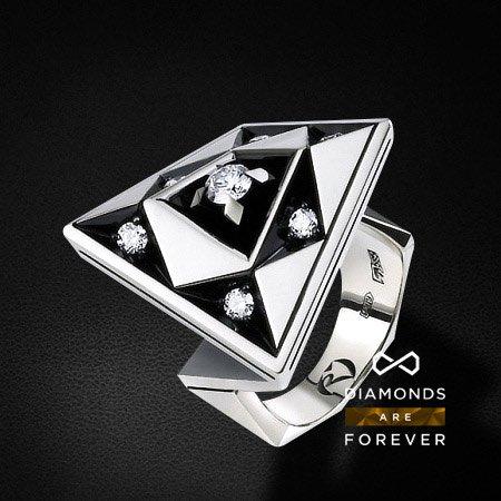 Кольцо с 7 бриллиантами из белого золота 585 пробыКольца<br>Кольцо с 7 бриллиантами из белого золота 585 пробы. Характеристики вставок: 7 бриллиантов 0.635 карат. Средний вес: 15,83 гр.<br>