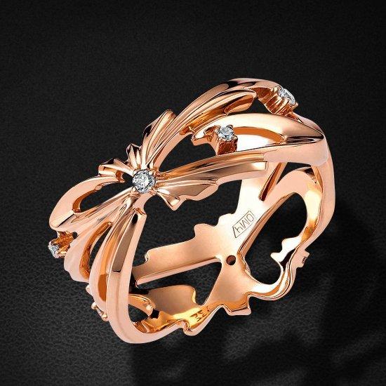 Кольцо из сета Любовь коллекции CHOICE с бриллиантами из красного золота 750 пробыКольца<br>Кольцо с бриллиантами из красного золота 750 пробы. Характеристики вставок: бриллиант кр-57 2/6 3шт.,0.01ct; бриллиант кр-57 3/6 4шт.,0.06ct. Средний вес изделия: 4,77 гр.<br>