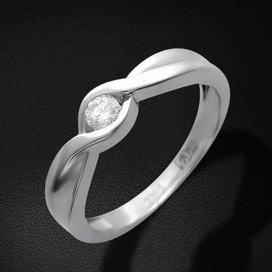Кольцо с бриллиантами из белого золота 750 пробыКольца<br>Кольцо с бриллиантами из белого золота 750 пробы. Характеристики: бриллиант 2/2 1шт.,0.16ct. Средний вес изделия: 4,25 гр.<br>
