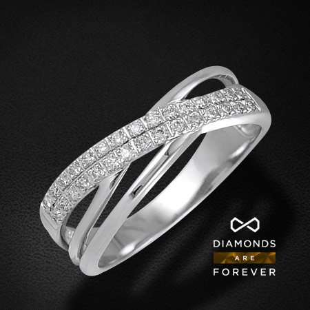 Кольцо с бриллиантами из белого золота 585 пробыКольца<br>Кольцо с бриллиантами из белого золота 585 пробы. Характеристики вставок: бриллиант 57кр 30-0.100ct 5/5а. Средний вес изделия: 2,32 гр.<br>