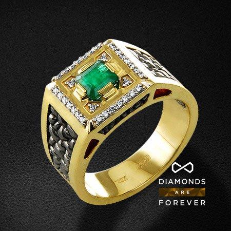 Мужское кольцо с бриллиантами, изумрудом из желтого золота 750 пробыПерстни<br>Мужское кольцо с бриллиантами, изумрудом из желтого золота 750 пробы. Характеристики вставок: 32 бриллиант кр57 0,192; 1 изумруд 0,78. Средний вес изделия: 22.32 гр.<br>