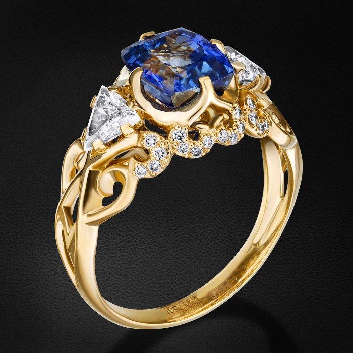 Кольцо с сапфиром, бриллиантами из желтого золота 750 пробыКольца с цветными камнями<br>Кольцо с сапфиром, бриллиантами из желтого золота 750 пробы. Характеристики вставок: 32 бриллиант кр57-0,13 3/5а, 1 бриллиант триллиант-0,29 3/5а, 1 бриллиант триллиант-0,29 3/3а, 1 сапфир -2,91 1/1. Средний вес изделия: 5.33 гр.<br>