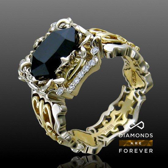Кольцо с бриллиантами, шпинелью из комбинированного золота 750 пробыКоллекционные изделия<br>Кольцо с бриллиантами, шпинелью из комбинированного золота 750 пробы. Характеристики вставок: бриллиант 2/3 12шт.,0.05ct ; бриллиант 3/3 14шт.,0.1ct ; бриллиант 3/4 34шт.,0.17ct ; шпинель  1шт.,2.93ct. Средний вес изделия: 10,17 гр.<br>