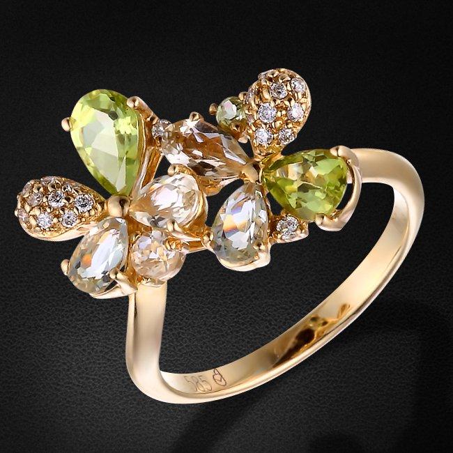 Кольцо с бриллиантами, аметистом, кварцем из желтого золота 585 пробыКольца<br>Кольцо с бриллиантами, аметистом, кварцем из желтого золота 585 пробы. Характеристики вставок: 20 бриллиант кр57 - 0.10 4/6, 2 зеленый аметист - 0.34, 3 лимонный кварц - 0.43, 3 перунит - 0.92. Средний вес изделия: 3,63 гр.<br>