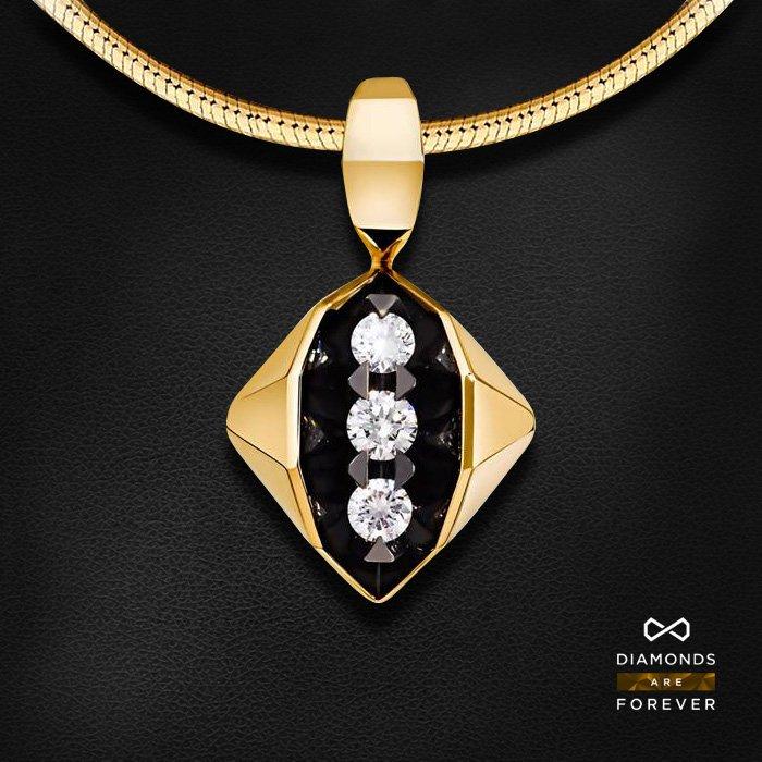 Кулон с бриллиантами из желтого золота 585 пробыКулоны<br>Кулон с бриллиантами из желтого золота 585 пробы. Характеристики вставок: 3 бриллиант 0,195. Средний вес изделия: 2.89 гр.<br>