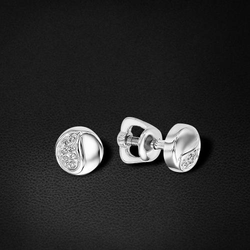 Пусеты с бриллиантами из белого золота 585 пробыСерьги<br>Пусеты с бриллиантами из белого золота 585 пробы. Характеристики вставок: бриллиант 14 0.031 2/3 кр17. Средний вес изделия: 1,57 гр.<br>