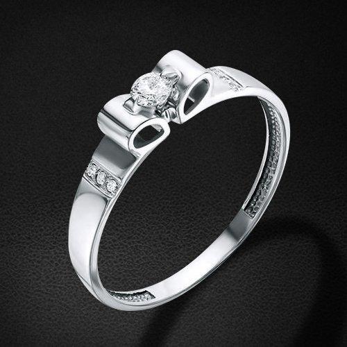 Кольцо с бриллиантами из белого золота 585 пробыКольца<br>Кольцо с бриллиантами из белого золота 585 пробы. Характеристики вставок: бриллиант 1 0.089 4/5 кр57, бриллиант 6 0.018 2/3 кр17. Средний вес изделия: 1,46 гр.<br>