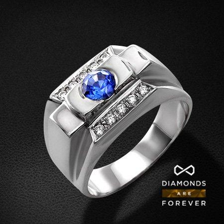 Мужское кольцо с сапфиром, бриллиантами из белого золота 585 пробыПерстни<br>Мужское кольцо с сапфиром, бриллиантами из белого золота 585 пробы. Характеристики вставок: 10 бриллиант кр57 0.26; 1 сапфир 0.90. Средний вес изделия: 2.96 гр.<br>