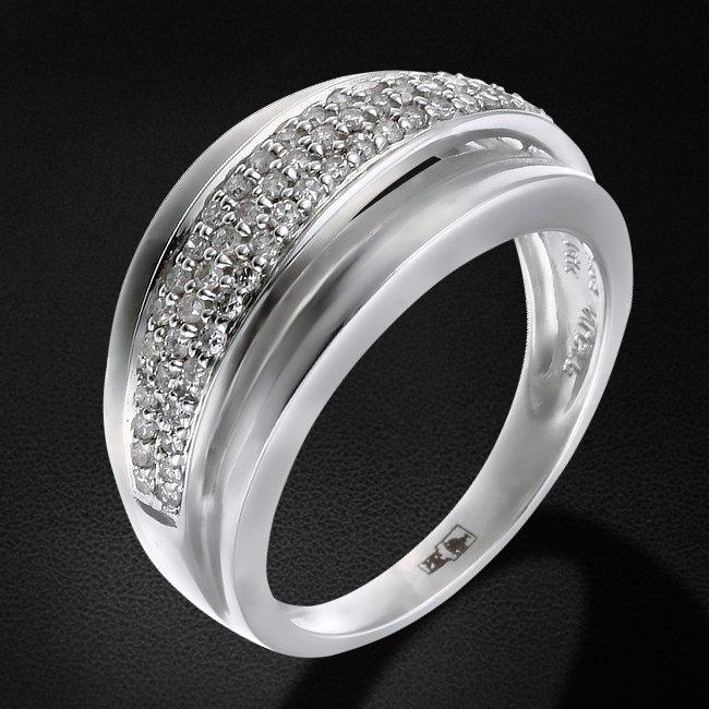 Кольцо с бриллиантами из белого золота 585 пробыКольца<br>Кольцо с бриллиантами из белого золота 585 пробы. Характеристики вставок: бриллиант кр17 2/3 - 59шт., вес 0.35. Средний вес изделия: 4,32 гр.<br>