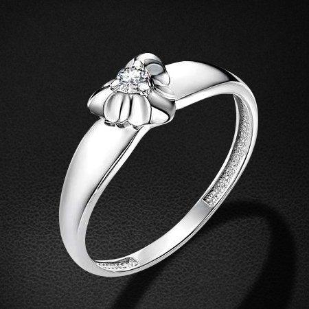 Кольцо с бриллиантами из белого золота 585 пробы из коллекции НеоклассикаКольца<br>Кольцо с бриллиантами из белого золота 585 пробы. Характеристики вставок: бриллиант 1 0.058 4/5 кр57. Средний вес изделия: 1,79 гр.<br>