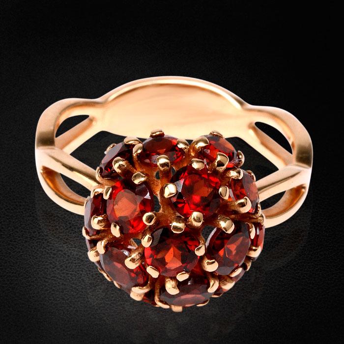 Кольцо с гранатами из красного золота 585 пробыКольца<br>Кольцо с гранатами из красного золота 585 пробы. Характеристики вставок: 16 гранат - 4,16. Средний вес: 5,19 гр.<br>