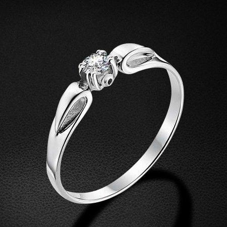 Кольцо с бриллиантами из белого золота 585 пробыКольца<br>Кольцо с бриллиантами из белого золота 585 пробы. Характеристики вставок: бриллиант 1 0.115 4/5 кр57. Средний вес изделия: 1,72 гр.<br>
