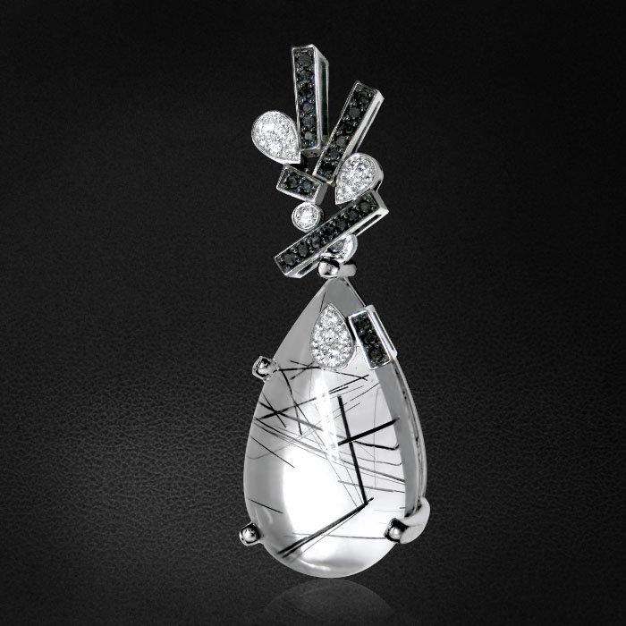 Кулон с бриллиантами, кварцем из белого золота 585 пробыКулоны<br>Кварц с черными турмалинами в центре необычной подвески. Белые и черные бриллианты дополняют и подчеркивают природный узор в камне. Характеристики вставок: 1бриллиант круг 0,024ct3/5, 2бриллиант круг 0,041ct3/5, 1бриллиант круг 0,015ct3/5, 4брил...<br>