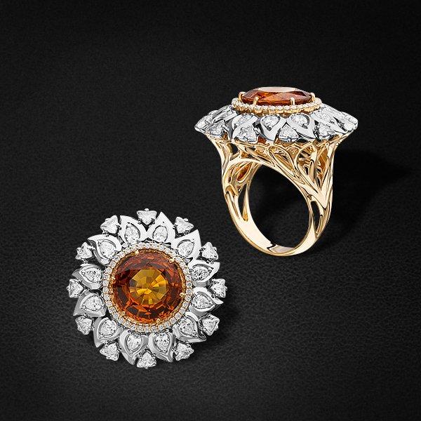 Кольцо с бриллиантами, турмалином из желтого золота 750 пробыКольца<br>Кольцо с бриллиантами, турмалином из желтого золота 750 пробы. Характеристики вставок: 12 бриллиант кр57 - 0,68 3/5а, 38 бриллиант кр57 - 0,162 3/5а, 12 бриллиант груша - 1,07 3/4, 1 турмалин - 10,02. Средний вес изделия: 17,64 гр.<br>