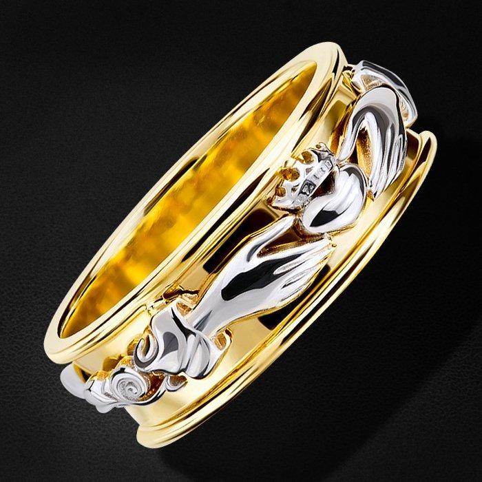 Кладдахское кольцо без вставок из желтого золота 585 пробыКольца<br>Кольцо без вставок из желтого золота 585 пробы. Средний вес изделия: 6,39 гр.<br>