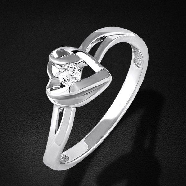 Кольцо с бриллиантами из белого золота 585 пробыКольца<br>Кольцо с бриллиантами из белого золота 585 пробы. Характеристики вставок: 1 бриллиант кр57 0.084 3/5а. Средний вес изделия: 2,39 гр.<br>