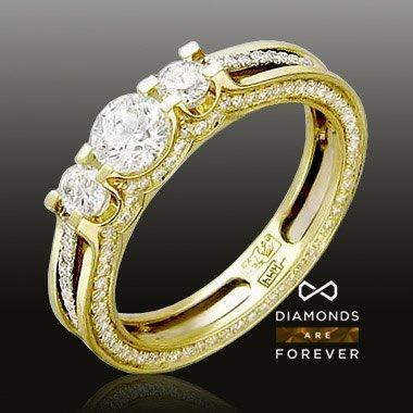 Кольцо с бриллиантами из комбинированного золота 750 пробыКоллекционные изделия<br>Кольцо с бриллиантами из комбинированного золота 750 пробы. Характеристики вставок: бриллиант 1/4 120шт.,0.43ct ; бриллиант 2/4 51шт.,0.24ct ; бриллиант 2/5 5шт.,0.01ct ; бриллиант 3/5 2шт.,0.23ct ; бриллиант 4/6 1шт.,0.44ct. Средний вес изделия: 4,21 гр.<br>