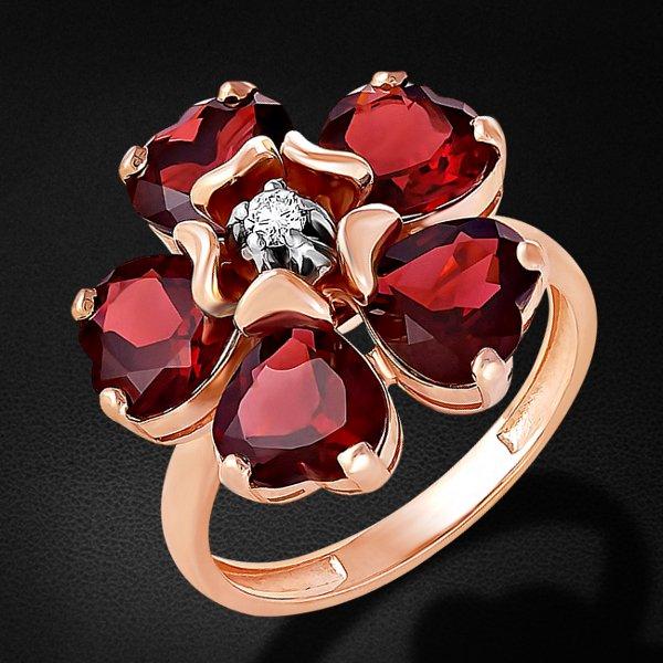 Кольцо с бриллиантами, родолитом из красного золота 585 пробы из коллекции MontpensierКольца<br>Кольцо с бриллиантами, родолитом из красного золота 585 пробы. Характеристики вставок: 1 бриллиант кр57 0,058 3/6а; 5 6,958 родолит сердце 7,0х7,0 . Средний вес изделия: 6,77 гр.<br>