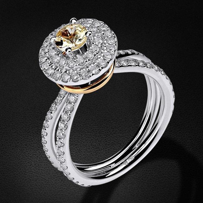 Кольцо с бриллиантами, сапфиром фантазийным из комбинированного золота 750 пробы (коллекция BRIDAL)Кольца<br>Кольцо с бриллиантами, сапфиром фантазийным из комбинированного золота 750 пробы. Характеристики вставок: бриллиант кр-57 3/5 9шт.,0.08ct; бриллиант кр-57 3/6 89шт.,0.67ct; сапфир фантазийный круг 1шт.,0.48ct. Средний вес изделия: 6,7 гр.<br>