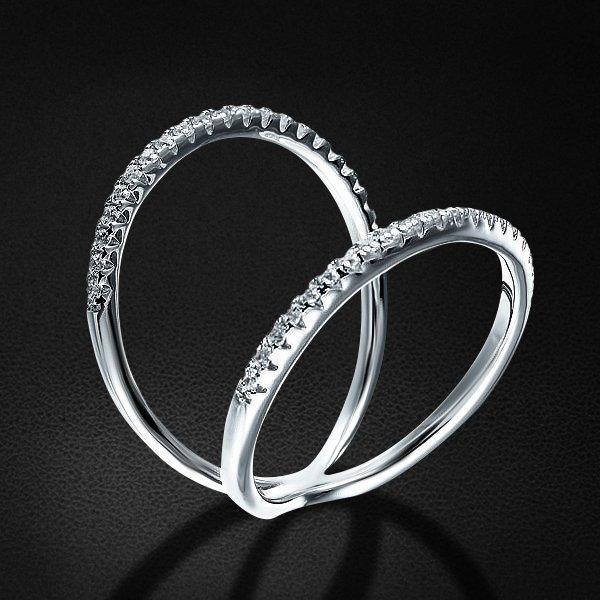Кольцо с цирконием из серебра 925 пробыКольца<br>Кольцо с цирконием из серебра 925 пробы. Средний вес: 2,86 гр.<br>