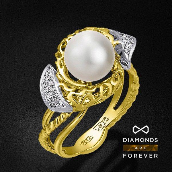 Кольцо с бриллиантами, жемчугом из желтого золота 750 пробыКольца с жемчугом<br>Кольцо с бриллиантами, жемчугом из желтого золота 750 пробы. Характеристики вставок: 20 бриллиант кр57 0,126; 2 жемчуг кул. 4,24. Средний вес изделия: 6.12 гр.<br>