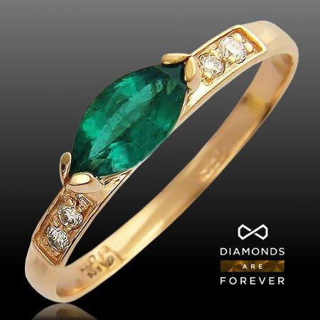 Кольцо с изумрудом, бриллиантами из красного золота 585 пробыКольца<br>Кольцо с бриллиантами, изумрудом из красного золота 585 пробы. Характеристики: бриллиант 4/6 4шт.,0.06ct ; изумруд 3/2 1шт.,0.49ct. Средний вес изделия: 1,82 гр.<br>