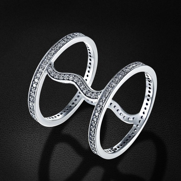 Кольцо с цирконием из серебра 925 пробыКольца<br>Кольцо с цирконием из серебра 925 пробы. Средний вес: 3,68 гр.<br>