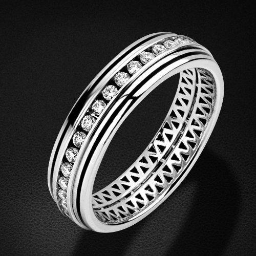 Обручальное кольцо с бриллиантами, эмалью из белого золота 750 пробыКольца<br>Обручальное кольцо с бриллиантами, эмалью из белого золота 750 пробы. Характеристики вставок: бриллиант кр-57 2/5 36шт. 0.51ct; эмаль 1шт. 0ct. Средний вес изделия: 4,46 гр.<br>