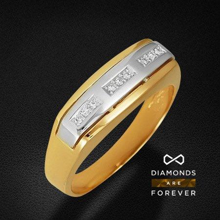 Мужское кольцо с бриллиантами из комбинированного золота 585 пробыДля мужчин<br>Мужское кольцо с бриллиантами из комбинированного золота 585 пробы. Характеристики вставок: бриллиант 57кр 9-0.073ct 3/5а. Средний вес изделия: 5,43 гр.<br>