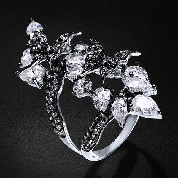 Кольцо с цирконием из серебра 925 пробыКольца<br>Кольцо с цирконием из серебра 925 пробы. Средний вес: 8 гр.<br>
