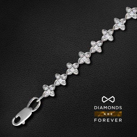 Браслет с бриллиантами Лунная дорогаБраслеты<br>Браслет из белого золота 750 пробы, украшенный 135 бриллиантами общим весом 1.83 карат<br>